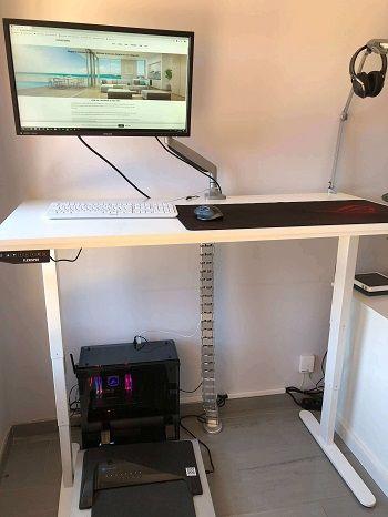 escritorio gamer andando
