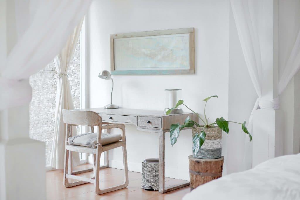 habitacion pequena blanca