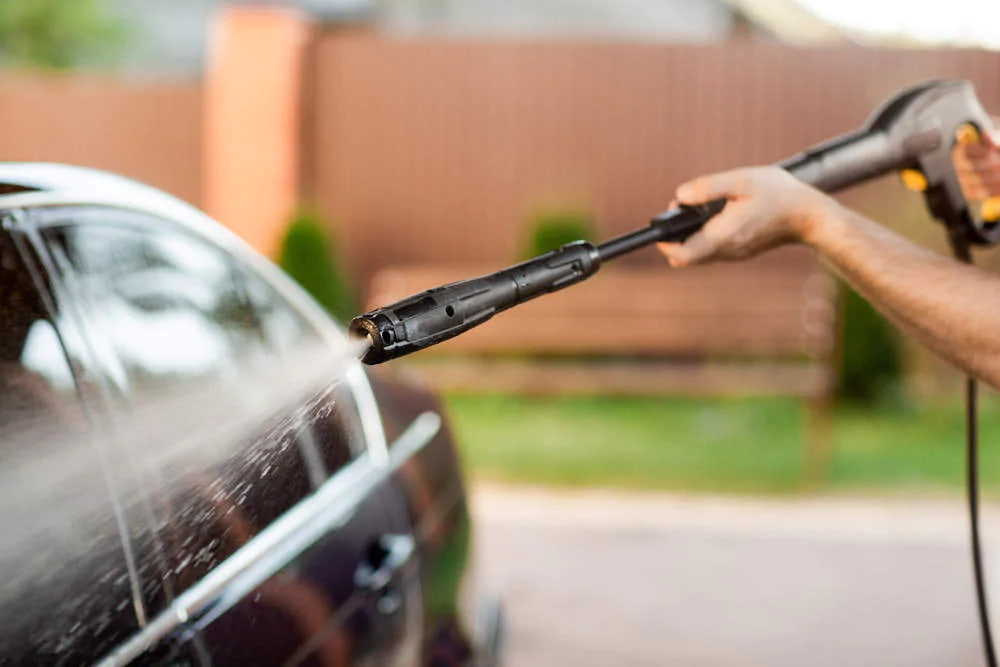 lavado a presion coche hidrolimpiadora