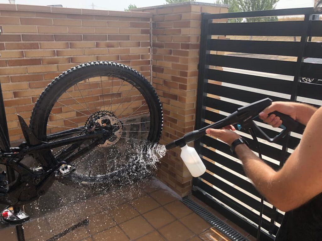 deposito de jabón de la hidrolimpiadora cecotec 1600