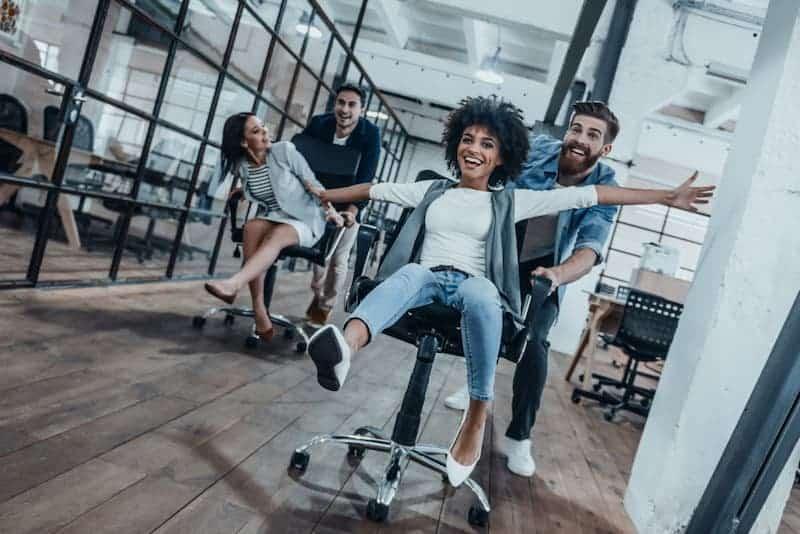 beneficios de realizar ejercicio en la oficina